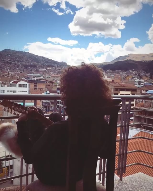 Goodbye #cusco . Thanks for the charango. Thank you for the mountains, the millinery & Machu Picchu. Y por el aire,  la alpaca, y la ayahuasca. Hasta la proxima vez! 👋🏽 🇵🇪🙏🏽⛰🌱 🐑 🎩