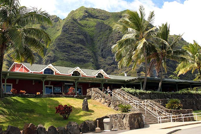 Kualoa_Ranch.jpg