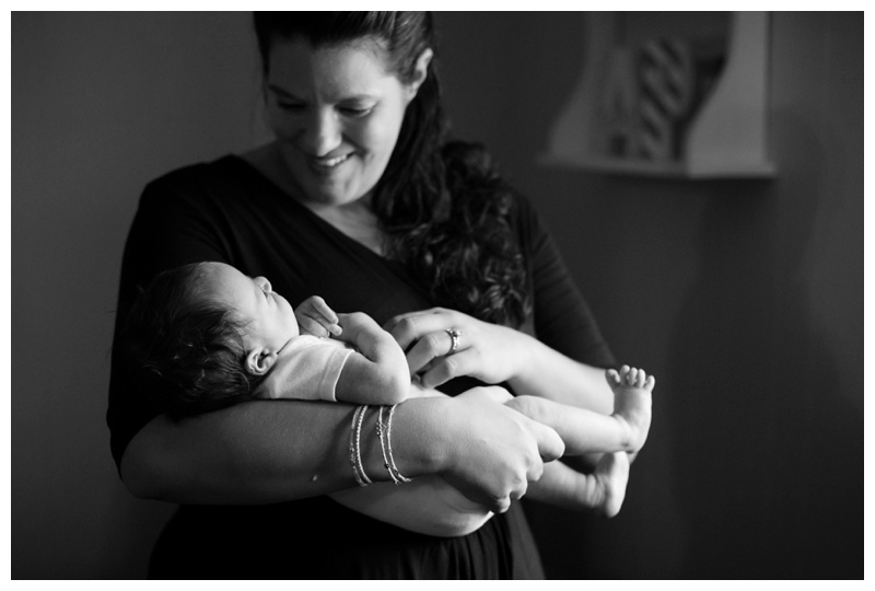 Rochester NY Lifestyle Newborn Photographer Mommy and newborn