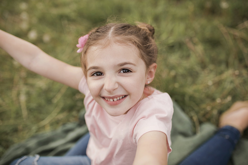 Family photographer Cooperstown NY, girl smiling