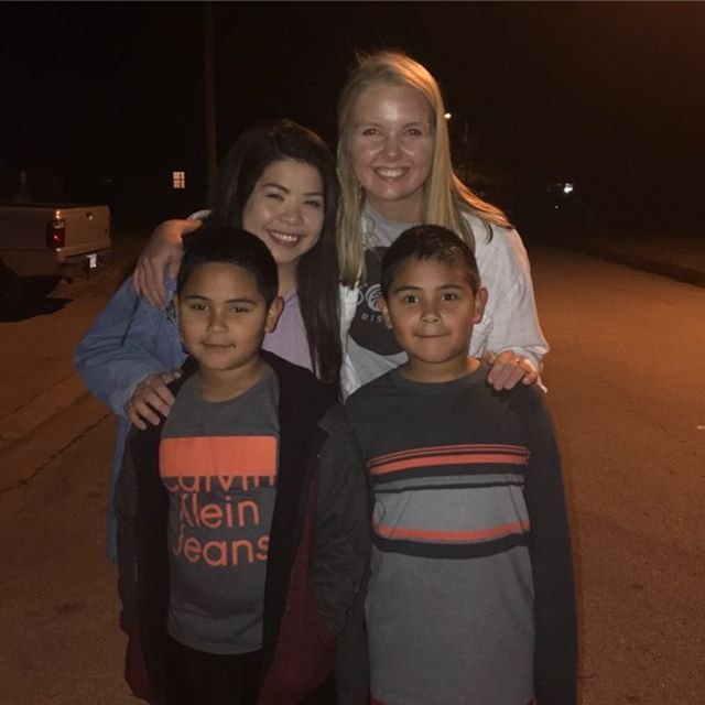 We love that our staff enters into the lives of our SOAR families! We value the times we get to sit down, eat dinner, and get to know the families we serve. Such a sweet thing! Thank you @happy_hannie @jonabetthennessy and #mrLiam for loving well and going the extra mile tonight! #soarstudents #riseupsoar #soarstaff #soarfamily #soarishome