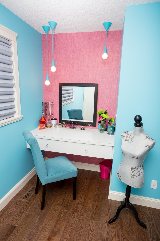 Daughter's Bedroom Make Up Desk.JPG