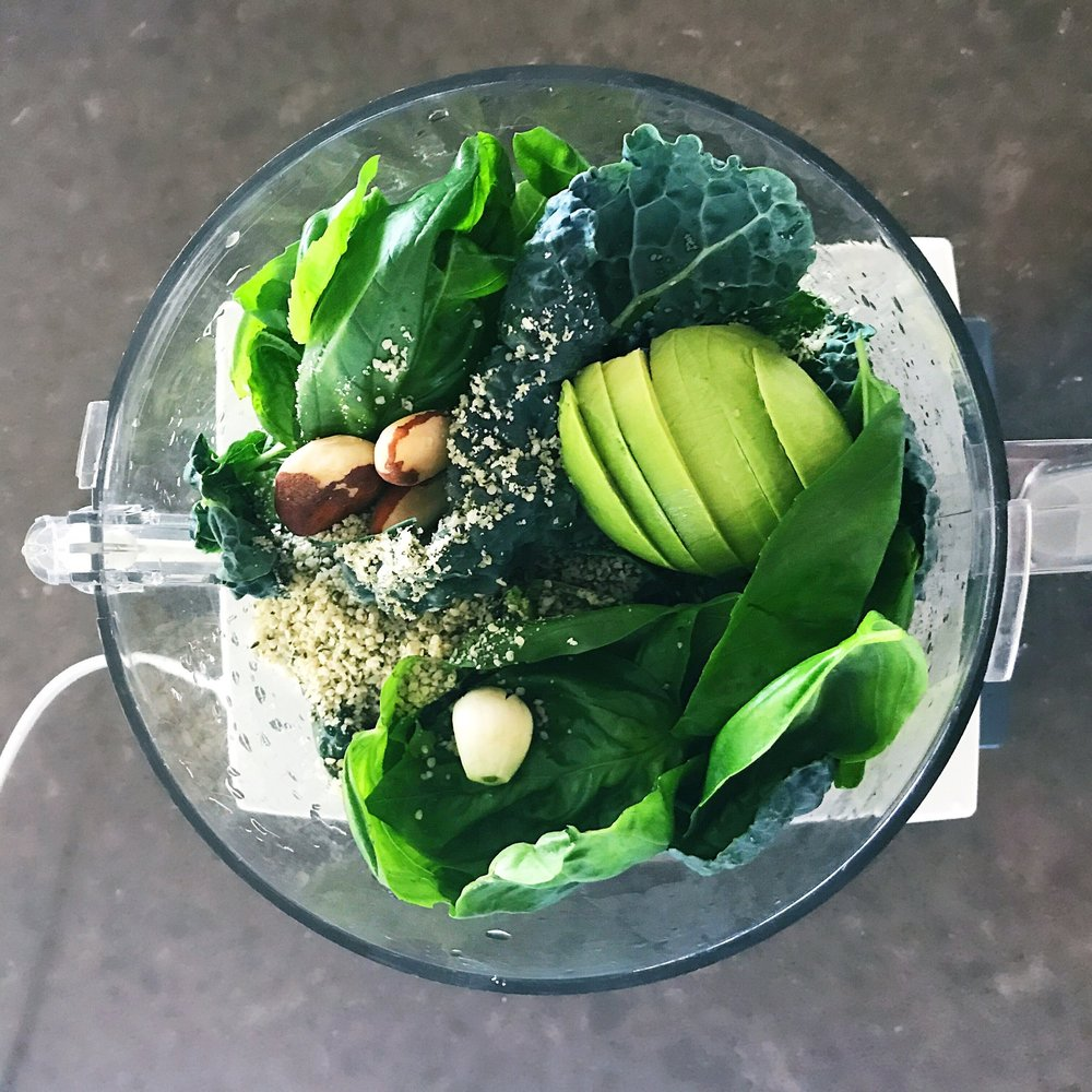 avocado kale vegan pesto.jpg