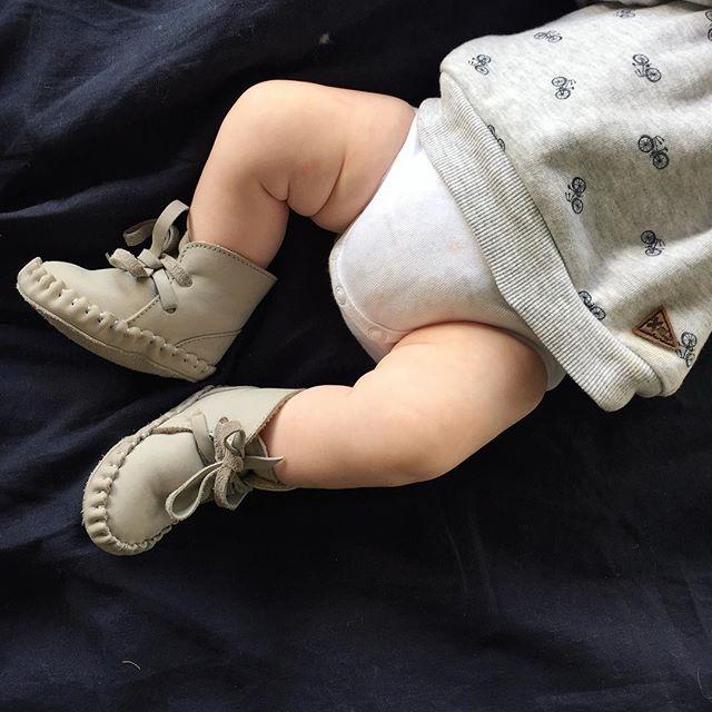 Loving my new kicks! 👟😍 @annacjesse @moncoeurbendigo