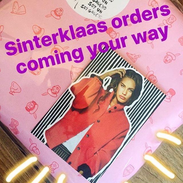 Bestel @stieglitzlabel voor Sinterklaas, en je krijgt Pieterbaas erbij 😍🔥🌟 #stieglitz #pieterbaas #sinterklaas2016 #5december
