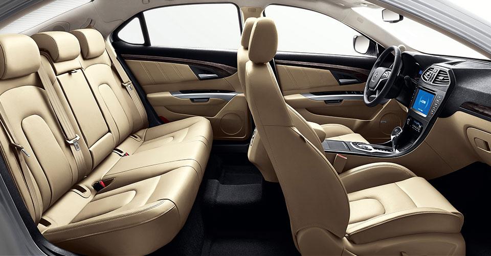 Car-A5-Interior_04.jpg