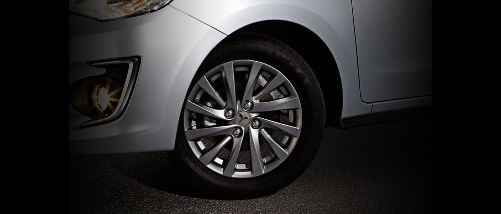 15-inch-Dark-Chrome-Alloy-Wheels-GLS.jpg