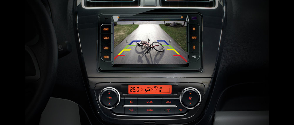 Multimedia-Entertainment-System-with-New-Reverse-Camera.jpg