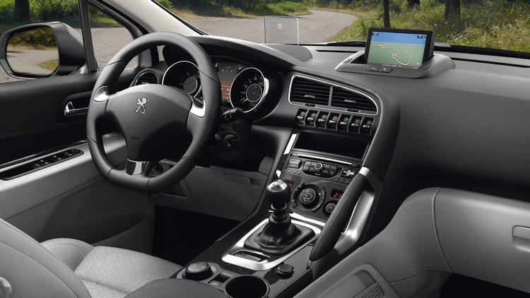 Peugeot_3008MV_poste-de-conduite-1920x1080.jpg