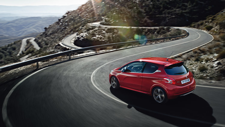 Peugeot-208-GTi-eco_conception_1.jpg