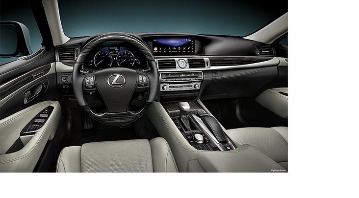 Lexus-LS-460-light-gray-leather-shimamoku-espresso-wood-trim-gallery-overlay-1204x677-LEX-LSG-MY16-0025.jpg
