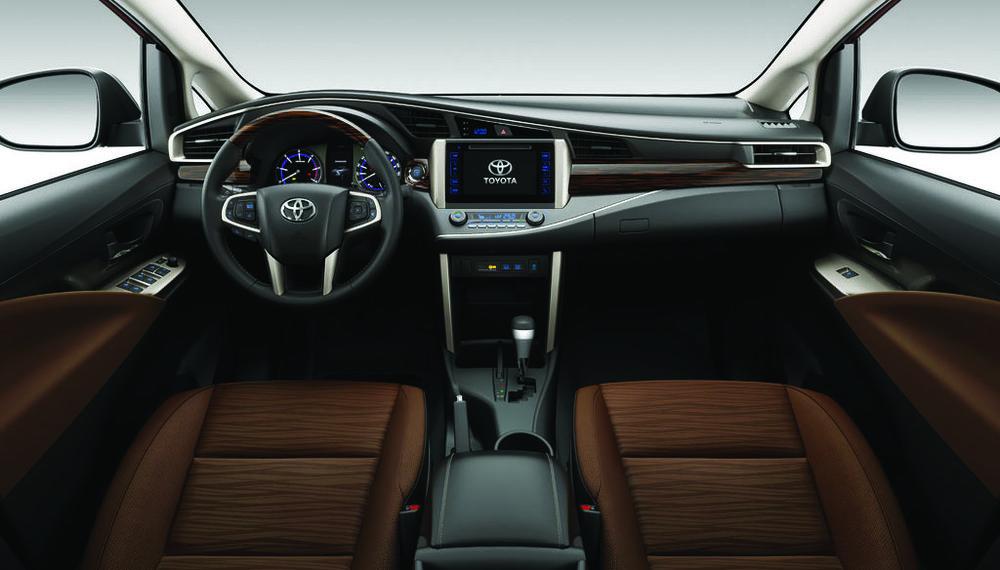 Innova Interior Dash.jpg
