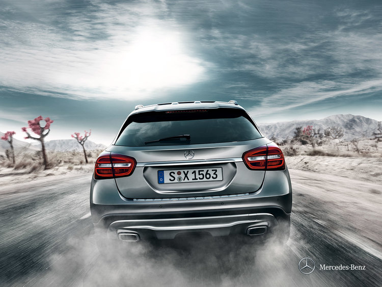 mercedes-benz-gla-x156_wallpaper_02_1600x1200_10-2013.jpg
