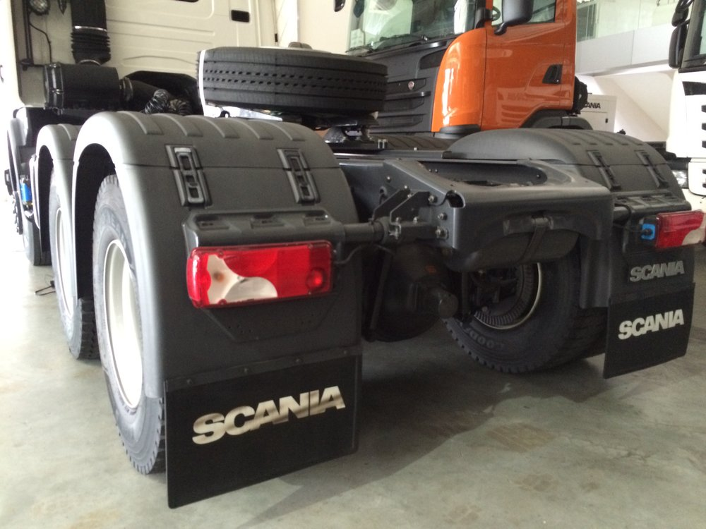 Scania G 360 (3).JPG