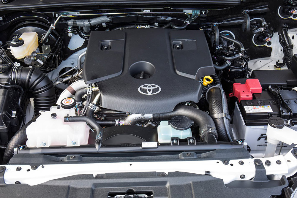 Toyota-Hilux-TRD-engine.jpg
