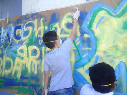 Übung und Training bevor die Arbeit am Mural beginnt