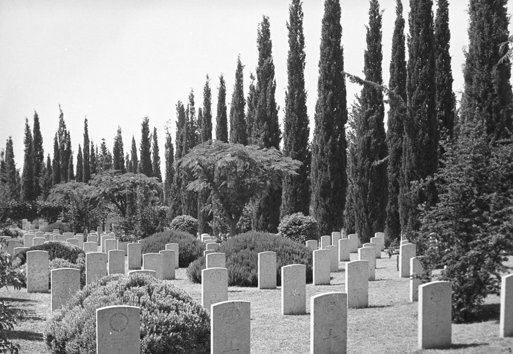 1995_001 - Salonika Anglo French Military Cemetery Lembet Road Greece.jpg