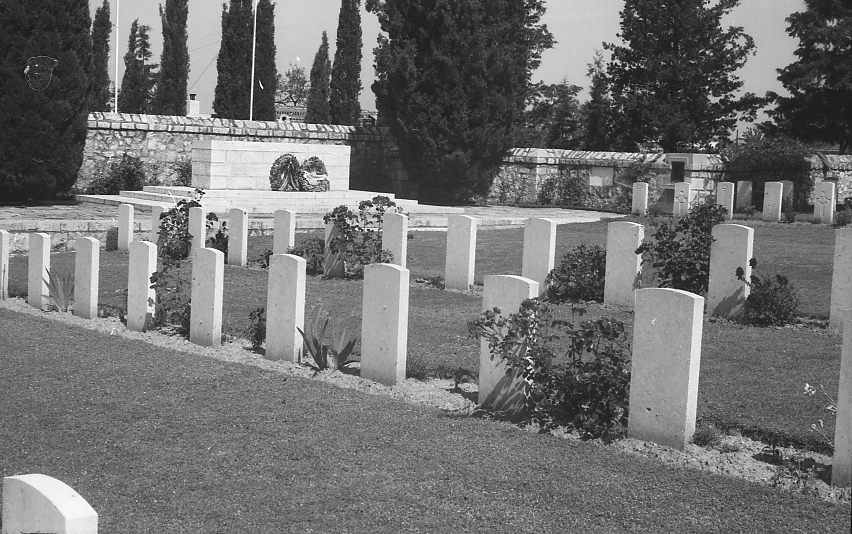11777_001 - Salonika Anglo French Military Cemetery Lembet Road Greece.jpg