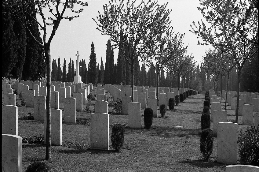 14423_001 - Salonika Anglo French Military Cemetery Lembet Road Greece.jpg