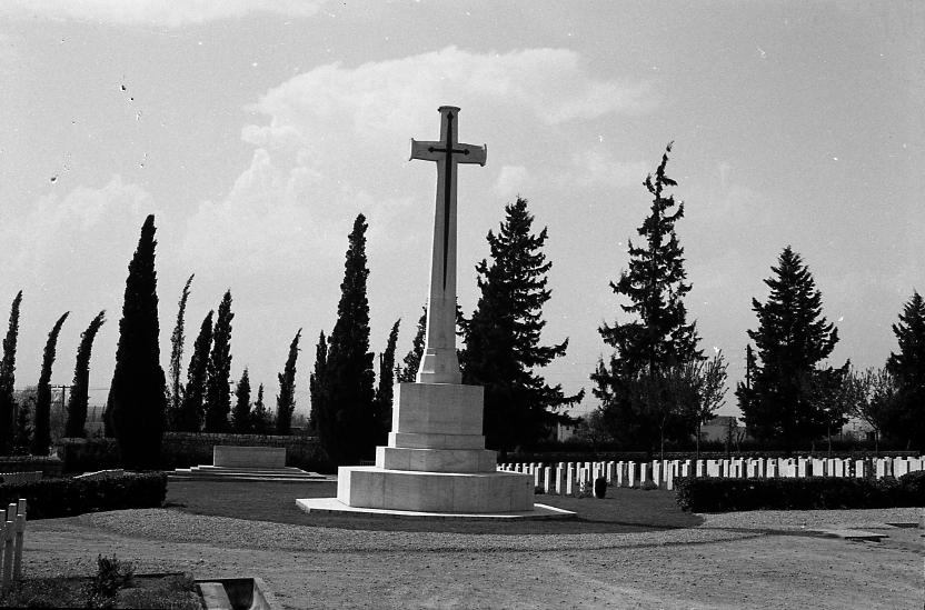 14425_001 - Salonika Anglo French Military Cemetery Lembet Road Greece.jpg