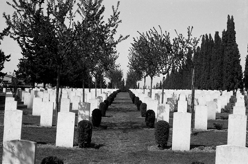 14424_001 - Salonika Anglo French Military Cemetery Lembet Road Greece.jpg