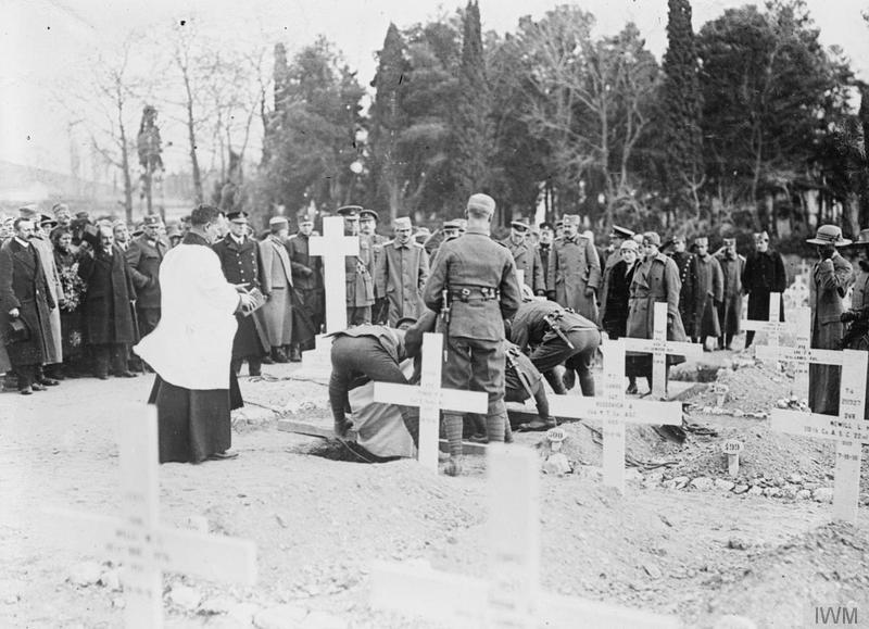 Scene at the graveside of Mrs. Harley (sister of Lord French) who was killed by a shell in Monastir, Salonika, March, 1917. © IWM (Q 32784)