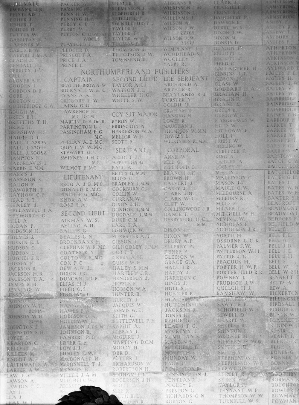00867_001 - Arras Memorial Faubourg D'Amiens Cemetery Pas De Calais France.jpg