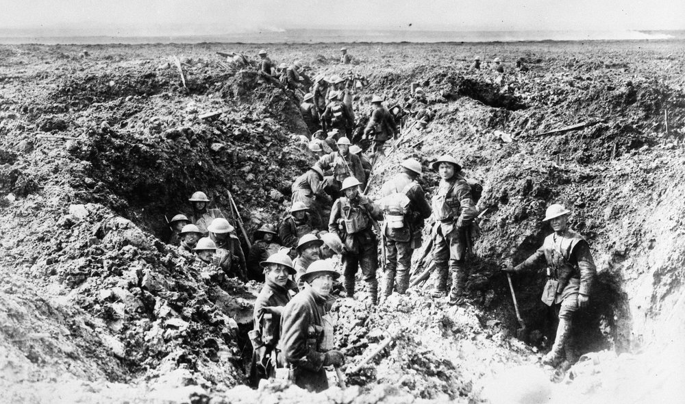 Canadian soldiers on Vimy Ridge, April 1917 © Collections Canada PA 1085