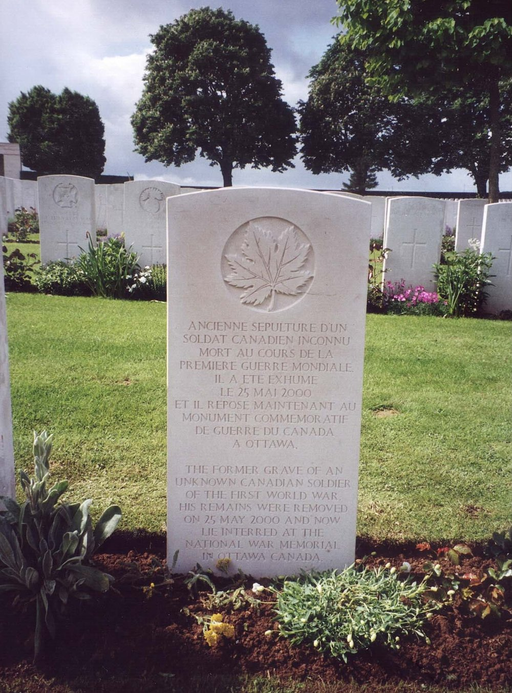 Unique headstone marking the original resting place of the Canadian Unknown Soldier. © CWGC
