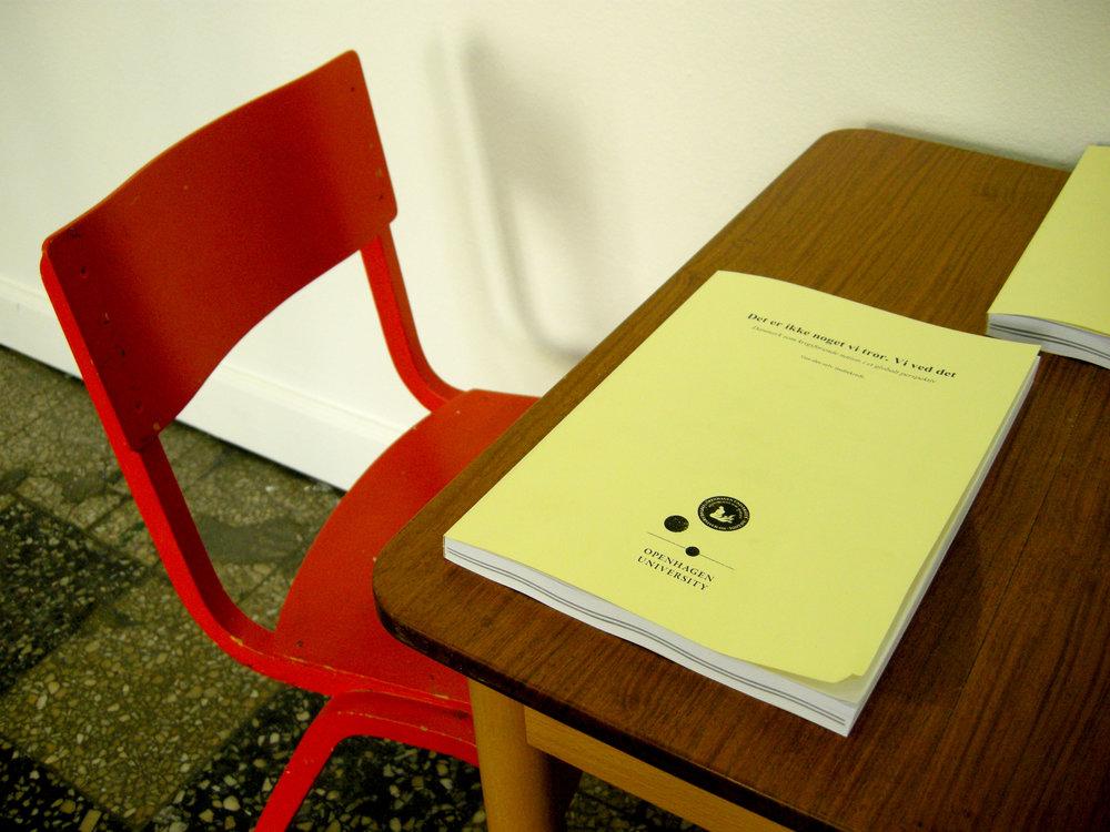 """""""Det er ikke noget vi tror. Vi ved det"""". Do-it-yourself study group at Overgaden Institute of Contemporary Art, Copenhagen. 2010"""