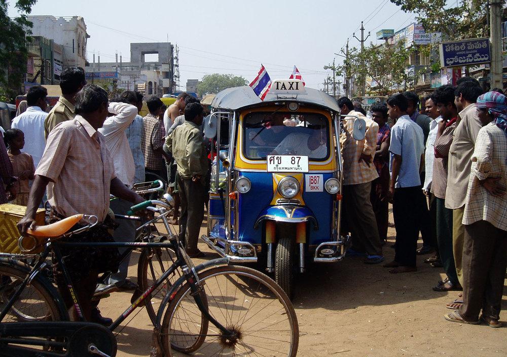Tuktuk_India_TinaHelen.jpg