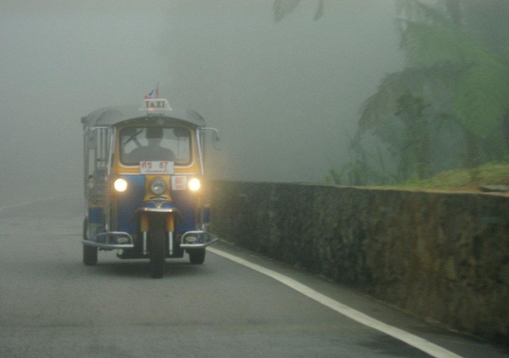 tuktuk_taage.jpg