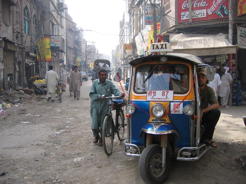Tuktuk_Pakistan_Tina_Helen.jpg