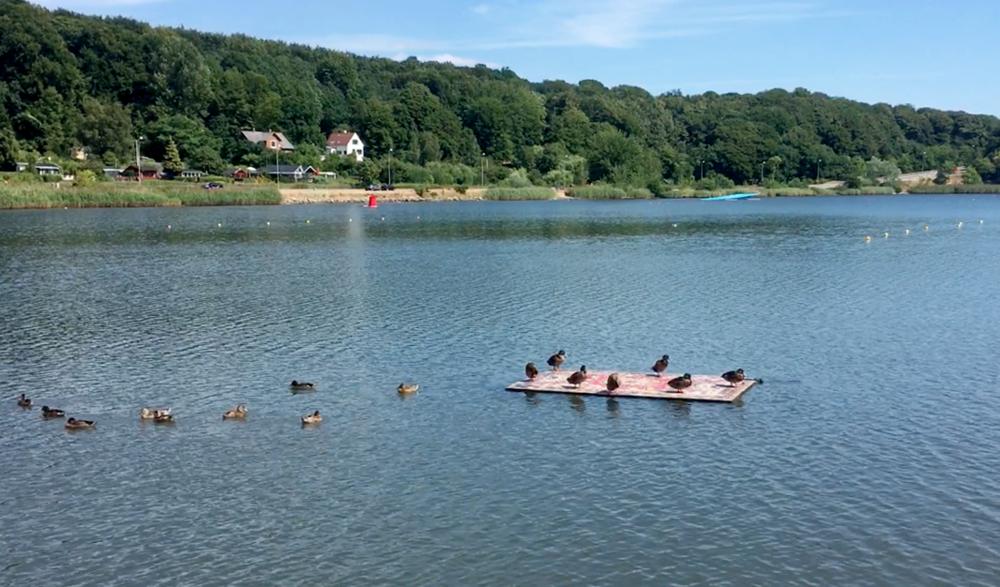 Flydende Tæppe. Installation view Floating Art Vejle, 2018