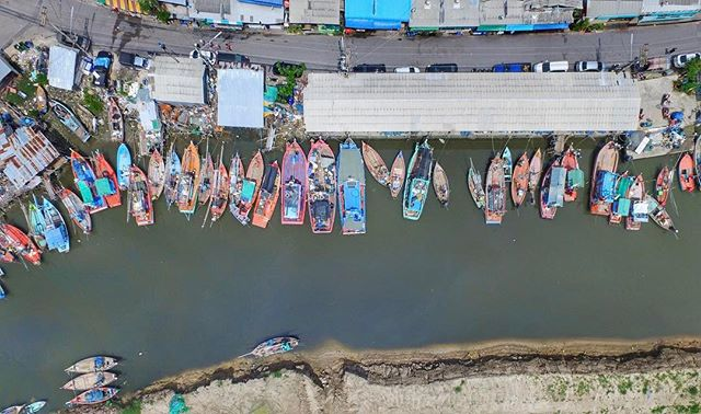 Fishing boats 🚣 🎣  #drone #drones #dronelife #dronegear #dronefly #dronestagram #droneoftheday #droneporn #dronebois #dronesdaily #droneheros #dji #phantom3 #phantom4 #inspire1 #dronegear #droneofficial #droneoftheday #doyouevendrone #gopro #amazing #realestate #wedding #melbourne #construction