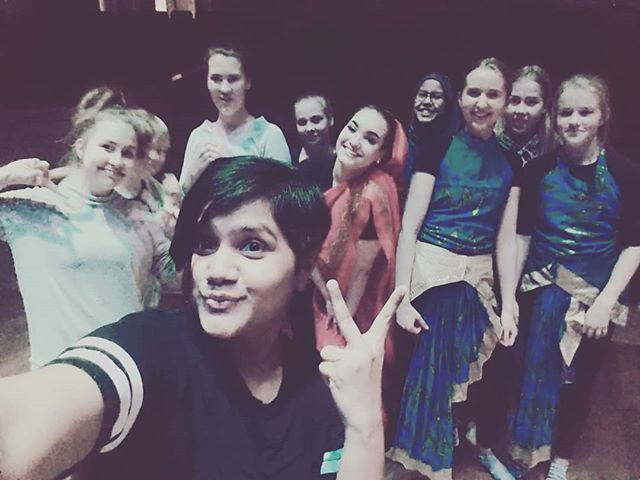 Had a fun dance session with these lovelies for a Play at steiner school 😘 #fusiaperformingarts #titli