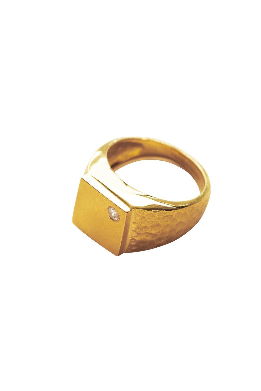 The-Squared-ring,-goldplated,-850DKK-_-925-NOK.-kopi.jpg