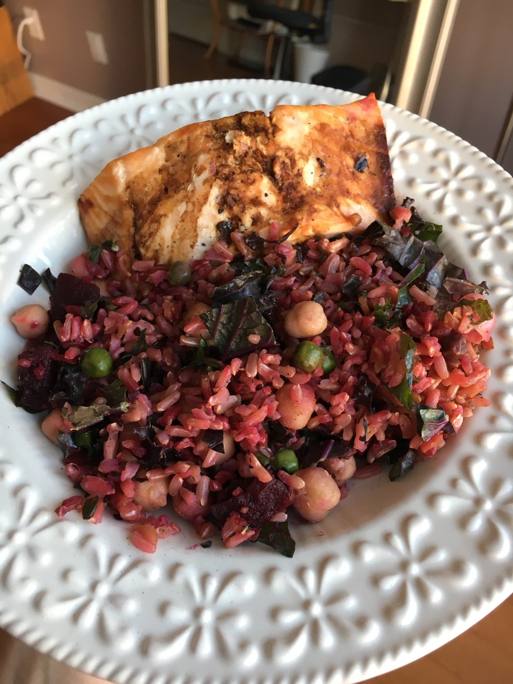 Rice with kale, chickpeas, beets and salmon