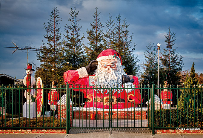 Roadside Santa, Oxnard, California, 2011 by ©Craig Varjabedian