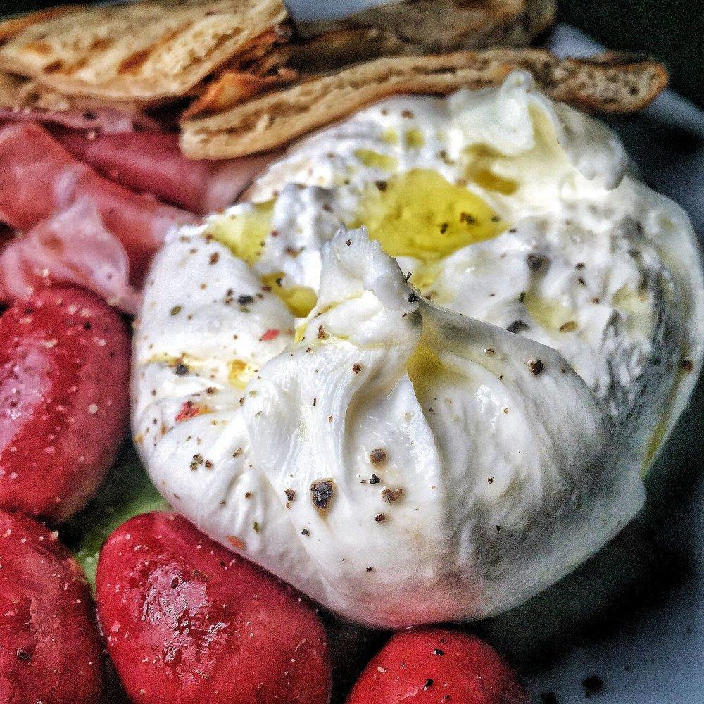 Aria Melanie: Burrata