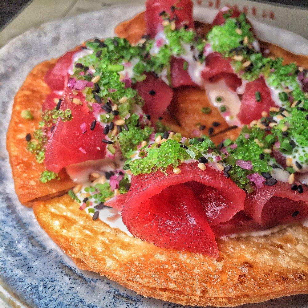 Kurobuta: Truffle Tuna Pizza