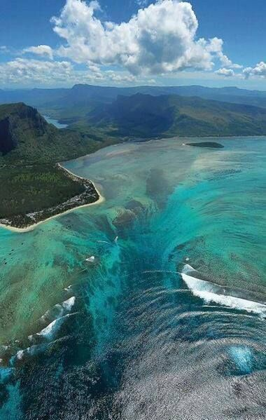 Underwater waterfall in Mauritius. Mind Blown.  Photo Credit: Pintereset