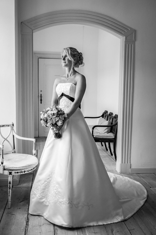 Jomfruens-Egede-bryllupskjole.jpg