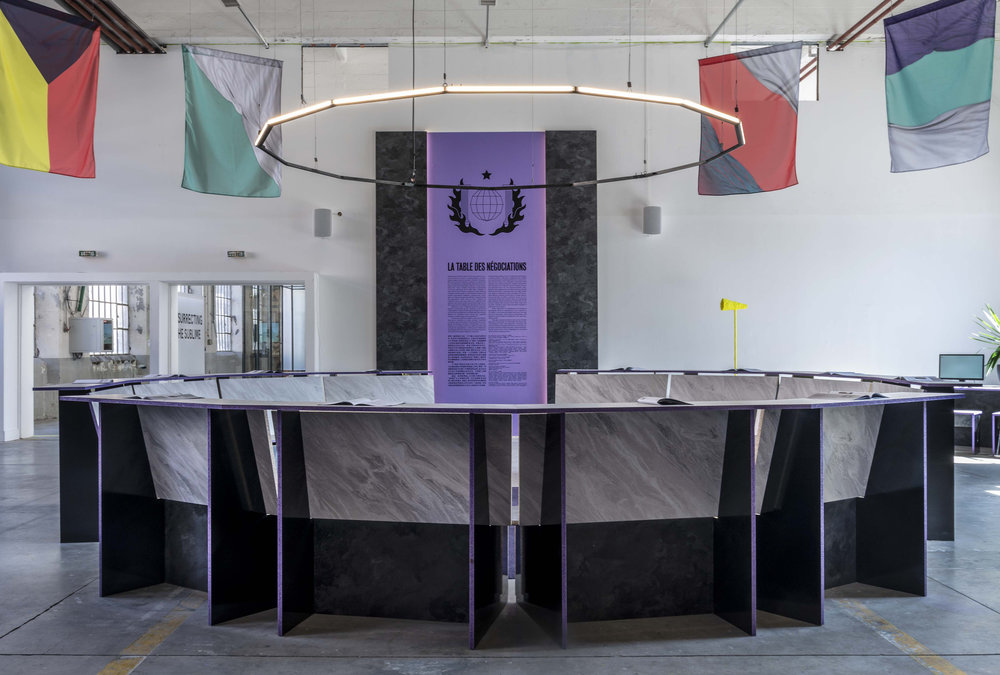 «The negotiating table» exhibition, photo by S. Binoux