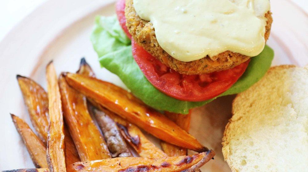 chickpea vegan burger 2.jpg