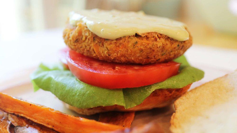 chickpea vegan burger 1.jpg
