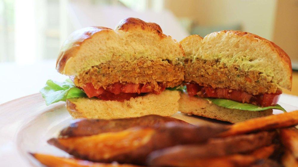chickpea vegan burger 6.jpg