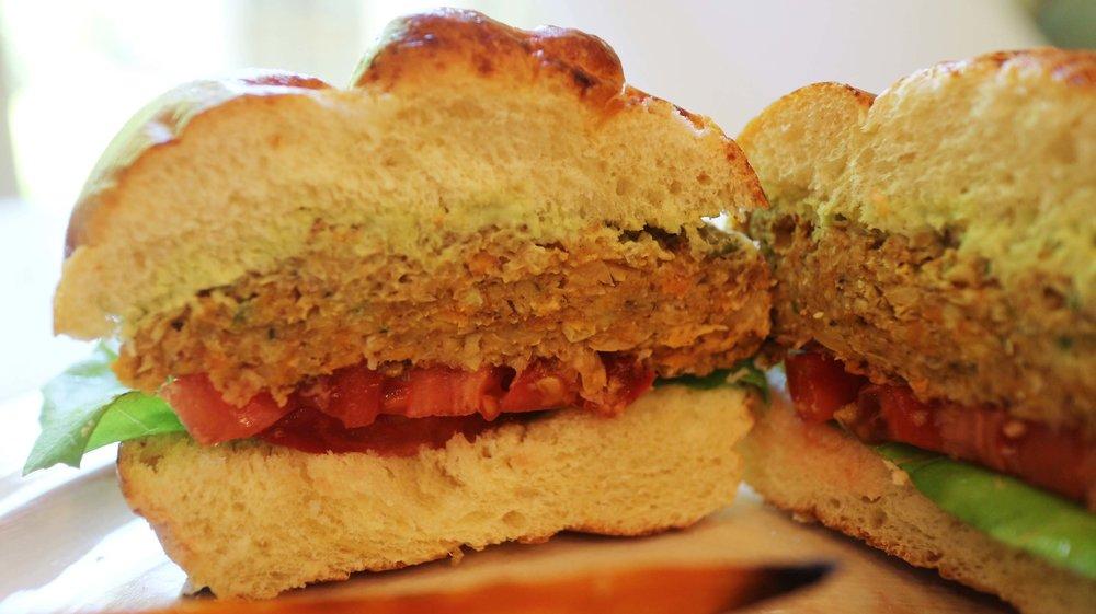 chickpea vegan burger 5.jpg