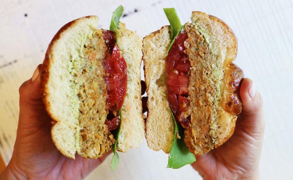 chickpea vegan burger 4.jpg