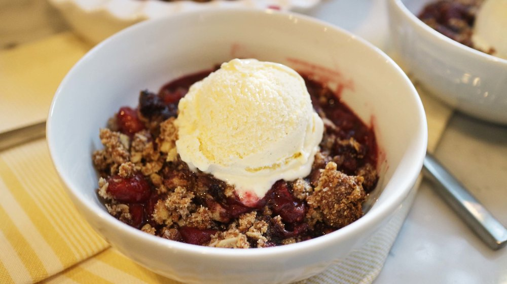 Vegan Strawberry Crumble 2.jpg